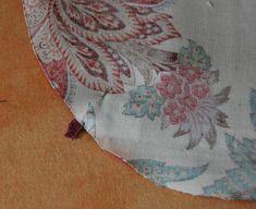 un étui à ciseaux – Créativités manuelles Rugs, Sewing, Decor, Articles, Blue Prints, Scissors, Fabric, Clutch Bags, Noel