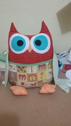 Almofada coruja porta controle remoto um charme a mais para sua sala ou seu quarto♡