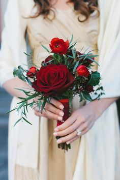 winter red bouquet | Someplace Wild | Glamour & Grace