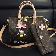 Running a few errands on this beautiful sunny morning  Have a wonderful Sunday  #louisvuitton #louisvuittonbag #louisvuittonfans #louisvuittonspeedy #lvlover #handbaglover #lvmonogram #lvspeedy #lvwallet #lvemilie #ladurée #laduree #bagcharm #bagcharms #handbag #bagaddict #leolionlv #leo_lion_lv #purseforum #purselover #minks4all #minksmomentoffabulous #jerushaaddict #jerushacouture #siradongaddict #wendys_thelovingfifty #lvoejunkie #kstyletgswag #lvcommunity #bagsoftpf