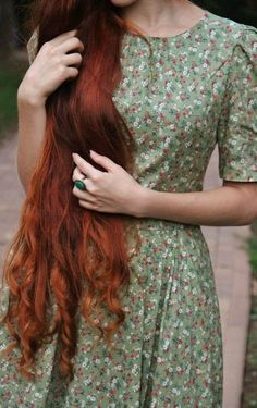 I want the length so freaking bad. I want hair that annoys people because it is so long