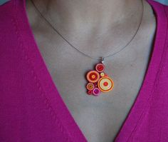 Tutorial teaching you how to make paper quilling creations as Funky Paper Quilled Jewelry Quilling Necklace, Paper Quilling Jewelry, Paper Bead Jewelry, Paper Beads, Polymer Clay Jewelry, Jewelry Crafts, Handmade Jewelry, Paper Earrings, Funky Jewelry
