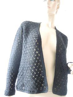 Kurzjacken - schwarze gehäkelte Jacke - ein Designerstück von Na-nett-e bei DaWanda