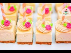 YouTube Cheesecake Pops, Individual Cheesecakes, Cake Youtube, Little Cakes, Piece Of Cakes, Candy Buffet, Mini Cakes, Dessert Table, Cake Recipes
