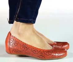 5 Comfortable Flats with Arch Support!!