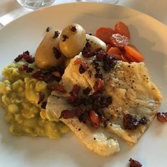 grillet tørrfisk Risotto, Bacon, Meat, Chicken, Ethnic Recipes, Pork Belly, Buffalo Chicken, Rooster