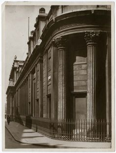 https://flic.kr/p/mtW7nV | The south front of the old Bank of England taken from Bartholomew Lane corner, 1923 | Bank of England Archive