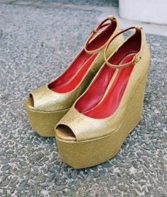Take GLAMOUR on the high road! You can now pre-order HIGHWAY in GOLD! Text 09175475142 or send an email to marchinstyle@gmail.com ♥