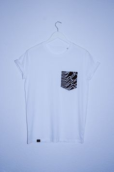 classic Tee with a pocket made of a Joy Division shirt, available in S, M, Lall Shirts are unique with different details from the classic Joy Division Unknown Pleasures motive