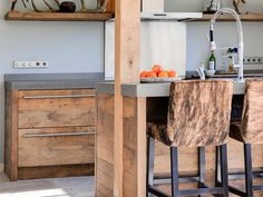 Kookeiland Keuken Houten : Een landelijke houten keuken op maat de bosbeke