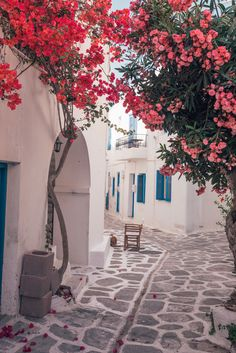 The Complete travel guide to Paros Island, Greece + MUST-SEE beaches Travel Aesthetic, Pink Aesthetic, Mamma Mia, Greek Town, Paros Greece, Paros Island, Photos Voyages, Mykonos, Santorini