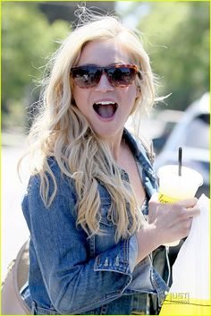 Brittany Snow hair and sunglasses