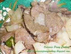 Kinilaw na Baboy at Labanos, Here is a special kinilaw pork dish that is different from the usual raw and soak/cook in vinegar kinilaw. Pork kinilaw at times is first lightly grilled or quickly stir fried before cooking with vinegar. Filipino Dishes, Filipino Recipes, Labanos Recipe, Pork Dishes, Side Dishes, Sisig, Calamansi, Fish And Meat, Pinoy Food