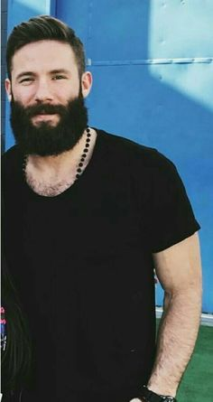 Lumbersexual The Effective Pictures We Offer You About hairy chest henry cavill A quality picture ca Hot Beards, Grey Beards, Mens Hairstyles With Beard, Hair And Beard Styles, Hairy Hunks, Hairy Men, Beard Images, Badass Beard, Julian Edelman