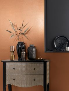 Our Copper metallic paint provides a stunning backdrop to a room. The paint creates a lustrous look of metallic shine to your walls and combined with a matt emulsion, makes an interesting contrast. Metallic Gold Wall Paint, Copper Paint Colors, Gold Painted Walls, Wall Paint Colors, Paint Colors For Living Room, Gold Walls, Gold Paint For Walls, Copper Room, Copper Living Room