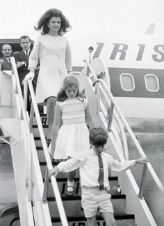 Jackie kennedy and the kids arrive in Ireland, June 1967.