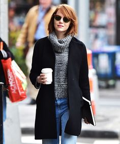 Emma Stone is a woman of the world, constantly traveling for films, press junkets, and other career commitments. While the actress has been splitting her time between coasts for a while now, her current gig starring as Sally Bowles in Cabaret, has…