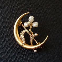 Victorian Crescent Moon BROOCH 10K Gold Baroque Pearl, Seed PEARLS Shamrock Flower Motif c.1890's #CrescentMoon #VictorianBrooch