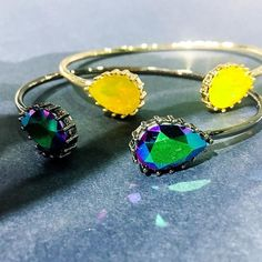 Teardrop bangles in my fav colours #scarabeusgreen and #yellowopal made with #swarovskicrystals by  Cecilie Melli #fallfashion #bangles #colours #ilovecolours #rainydays #aw2017collection