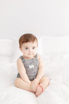 Cute Baby Boy, Cute Little Baby, Little Babies, Cute Babies, Baby Kids, Cute Baby Pictures, Baby Photos, Book Bebe, Baby Crib Bumpers