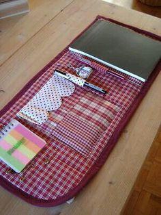 para las notas >> need this! Fabric Crafts, Sewing Crafts, Sewing Projects, Projects To Try, Notebook Covers, Notebook Binder, Bookbinding, Sewing Hacks, Quilting