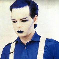 "lipstick-glam-and-glitter: ""Gary Numan - from the ""Berserker"" photoshoot, 1984 "" Thompson Twins, Gary Numan, Stranger Things Steve, Glam And Glitter, New Romantics, Boy George, Light Of My Life, Post Punk, Pop Rocks"