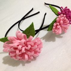 Keçe ile hazırlanan yaprak ve çiçeklerle bezenmiş taç  #felt #keçe #handmade