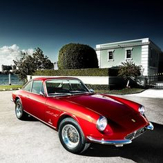 Ferrari 330 GTC (1967) Maintenance/restoration of old/vintage vehicles: the material for new cogs/casters/gears/pads could be cast polyamide which I (Cast polyamide) can produce. My contact: tatjana.alic@windowslive.com