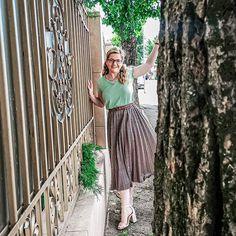 Midi Skirt, Skirts, Fashion, Moda, Midi Skirts, Fashion Styles, Skirt, Fashion Illustrations