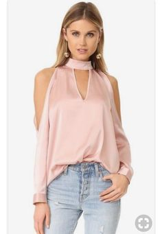 Vince Camuto Chiffon Flutter Cuff Satin Back Texture Blouse Lady Like, Chic Outfits, Fashion Outfits, Womens Fashion, Fashion Clothes, Moda Formal, Pink Long Sleeve Tops, Girly Girl, Casual Party Dresses