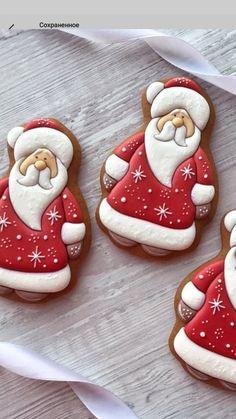 Christmas Biscuits, Christmas Sugar Cookies, Christmas Sweets, Noel Christmas, Christmas Goodies, Holiday Cookies, Christmas Baking, Santa Cookies, Galletas Cookies