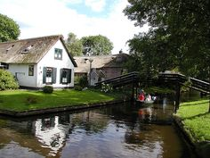 What lovely towns Giethoorn by gvenk, via Flickr