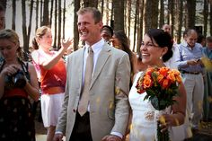 A few years ago I was a guest at my cousin Erika's wedding and I took a ton of pictures of their beautiful day. Erika and Eise's wedding was. All Pictures, My Photos, Wedding Ceremony, Our Wedding, Orange Roses, Rose Bouquet, Erika, Beautiful Day, Wedding Orange