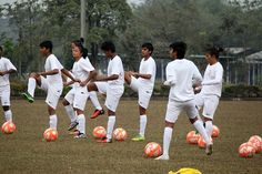 CHAK DE INDIA INSPIRES INDIA'S GOLDEN GIRLS SILIGURI: The mighty Kanchenjunga, all snow clad, stares at you... http://goangamesmoney.com/link/detail-news.php?newsid=827&pageid=2