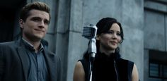 One of the best scenes in the movie. District 11 tour stop.