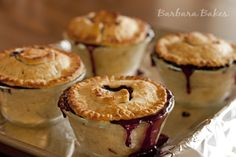 Blueberry Apple Mini Pies- in small mason jars? bake filling separate and pie crust tops separate and assemble in plastic cups? Tart Recipes, Apple Recipes, Sweet Recipes, Breakfast Dessert, Pie Dessert, Dessert Recipes, Mini Desserts, Delicious Desserts, Blueberry Streusel Muffins