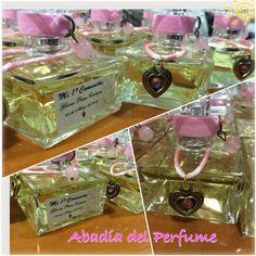 Ya hemos acabado el perfume diseñada por y para Gloria que regalará a #invitados de su #comunion #regalosconencanto #regalosunicos #shopping #tendencia