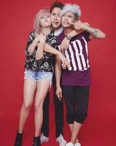 Los amo amiguitos. JuanX3  Grachi por la foto: @marioalzatee