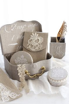 20170622_09 Fabric Covered Boxes, Fabric Boxes, Diy Gift Box, Diy Box, Cardboard Crafts, Paper Crafts, Craft Room Organisation, Sewing Box, Tissue Boxes