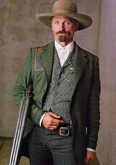 "Viggo Mortensen, - in ""Appaloosa"", 2008 Viggo Mortensen, Westerns, O Cowboy, Western Costumes, Cowboy Action Shooting, Cowboys And Indians, Real Cowboys, The Lone Ranger, Actrices Hollywood"