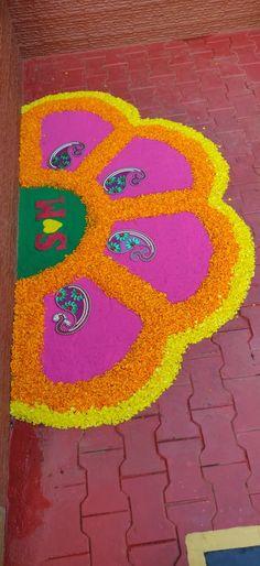 Free Hand Rangoli, Flower Rangoli, Floating Flowers, Flowers Decoration, My Prayer, Diwali, Flower Designs, Creativity, My Arts