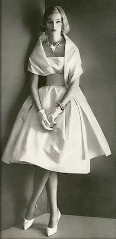 Retro Fashion Dress by Pierre Cardin, photo by Henry Clarke for Vogue, - blush casual dresses, women beautiful dresses, women's dresses with sleeves *ad - Vintage Fashion 1950s, Vintage Couture, Retro Fashion, 1960s Fashion Dress, Sixties Fashion, Hippie Fashion, Classic Fashion, Petite Fashion, Timeless Fashion