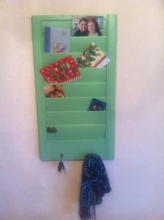 An old shutter with a fresh coat of paint and hooks can be used for many purposes! We can use it next to the front door for mail & keys, in the closet for earrings & necklaces, or in the living room for pictures. Preteen Girls Rooms, Old Shutters, Room Ideas, Decor Ideas, Country Decor, Girl Room, Hooks, Kitchen Ideas, Keys