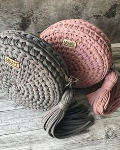 Super Soft Thick Chunky T Shirt Yarn For Knitting Blanket Carpet Handbag Crochet Cloth Yarn lanas para tejer Poncho Crochet, Bag Crochet, Crochet Diy, Crochet Handbags, Crochet Purses, Crochet Crafts, Crochet Projects, Crochet Ideas, Crochet Hippo