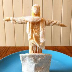 Quand papa fait des sculptures de toasts pour ses filles - http://www.2tout2rien.fr/quand-papa-fait-de-sculptures-de-toasts-pour-ses-filles/