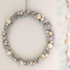 Ideatasku: kranssit Pearl Necklace, Jewelry, String Of Pearls, Jewlery, Jewerly, Schmuck, Pearl Necklaces, Jewels, Jewelery