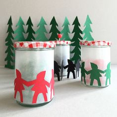 Transform scrap paper + a mason jar into a charming holiday display in minutes.