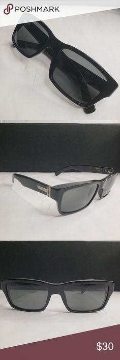 4c43f65507e VON ZIPPER Elmore sunglasses Up for sale is a pre-owned pair of VON ZIPPER  ELMORE Sunglasses. The sunglasses are in great condition. Von Zipper  Accessories ...