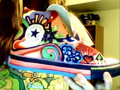 My painted converse Painted Converse, Painted Sneakers, Hand Painted Shoes, Crazy Shoes, Diy Painting, Refashion, All Star, Vans, Passion