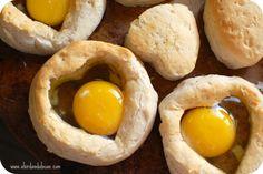Baked Egg in a Biscuit. easy brunch. simple breakfast.